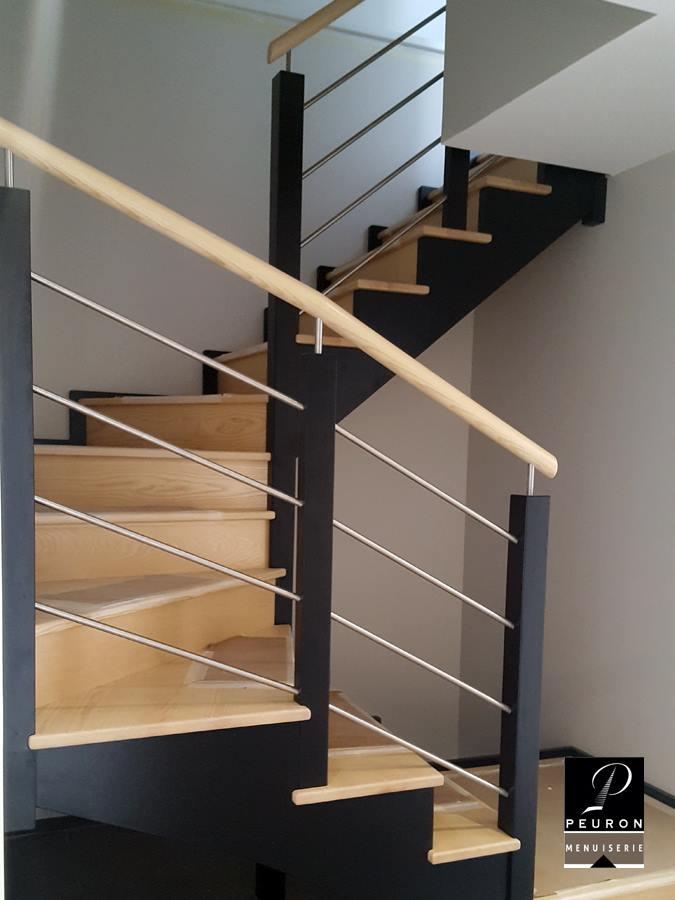 fabricant d'escaliers bois métal sur vannes Pontivy baud Escalier en bois fabriqué par Menuiserie Peuron