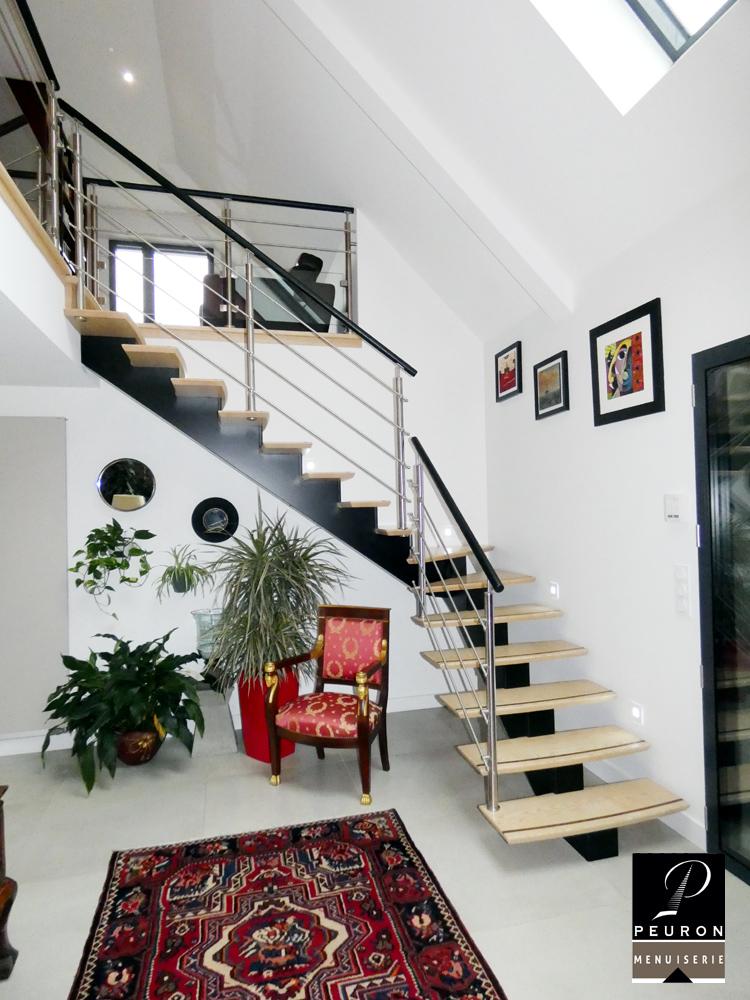 Escalier gamme centrale avec limon central