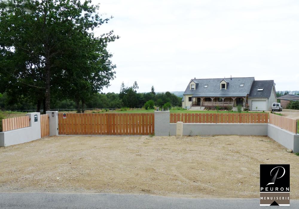 Fabrication et pose de portail et clôture en bois.